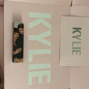 Kendall x Kylie Cosmetics Act Natural Bronzer